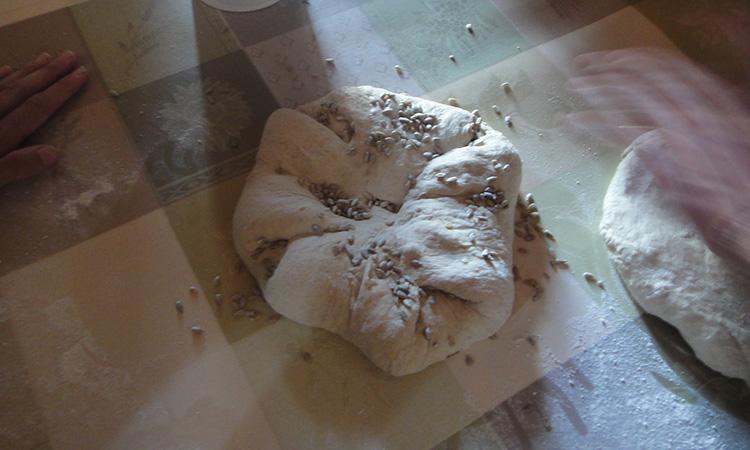 Pâte à pain façonnée dans les règles de l'art