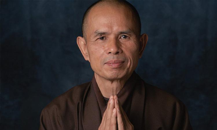 Thich Nhat Hanh un moine bouddhiste vietnamien qui a fondé le village des pruniers