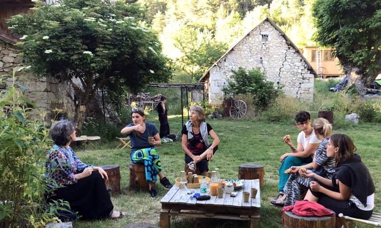 Le goûter lors de la retraite dans la Drôme